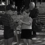 chłopięcy aktor Luciano De Ambrosis film Dzieci patrzą na nas I Bambini ci guardano 1943 1944